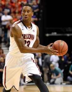 Rondae Hollis-Jefferson #23 of the Arizona Wildcats passes against the UCLA Bruins during the championship game of the Pac-12 Basketball Tournament. (March 14, 2014 - Source: Ethan Miller/Getty Images North America)