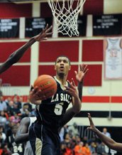 La Salle's Jalen Herdsman drives under the basket against Chester in the fourth period. (Ron Tarver/Staff Photographer)